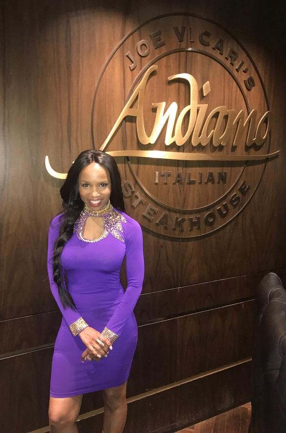 Scream 2 actress Elise Neal enjoys the weekend at the D Casino Hotel
