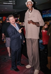 The Second-Tallest Man in the U.S. Hangs Out at the D Casino Hotel
