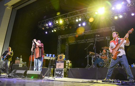 Blues Traveler performs at Henderson Pavillion