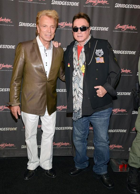 Siegfried & Roy Accept a Charitable Donation Check from Barrett-Jackson Auction Company