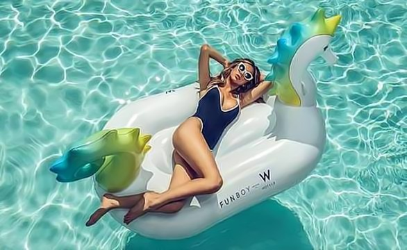 "Go with the Float: W Hotels Makes a Splash with ""Heat Wave"" Package in Partnership with Funboy"