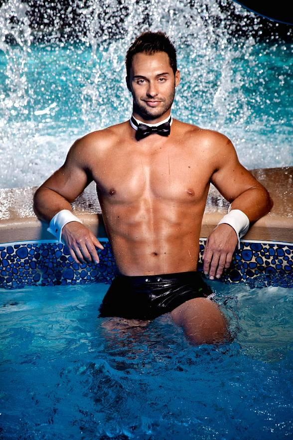 "'On Air With Robert & CC' to Interview Chippendales Dancer James Davis, Currently Featured On ""The Amazing Race,"" with Guest Co-host Angel Porrino at PBR Rock Bar Nov. 9"