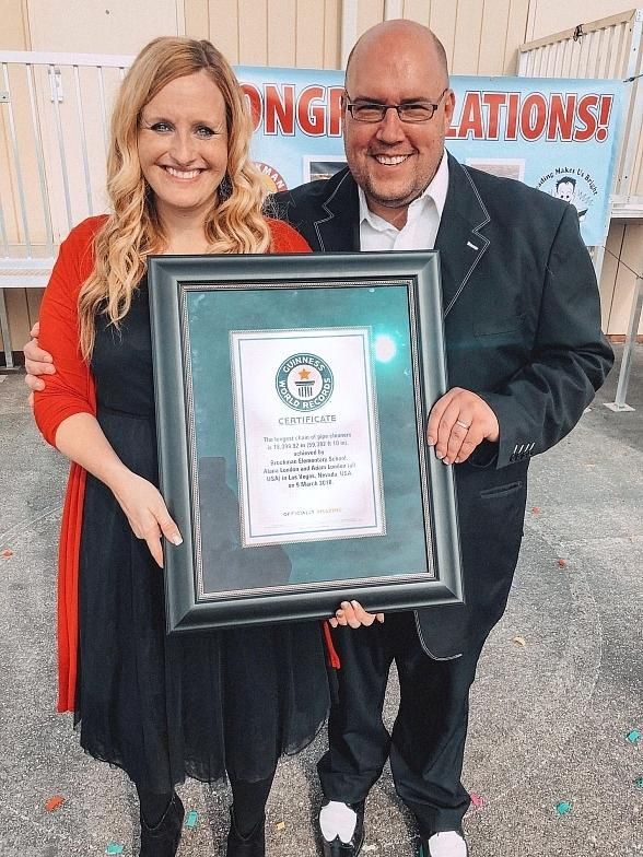 "Comedy-Magician Adam London's ""Laughternoon"" Wraps up Its Year of Giving This Holiday Season and Breaks Guinness World Record"