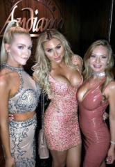 Famous Model Khloe Terae and Friends Enjoy Dinner at Andiamo Italian Steakhouse in Las Vegas