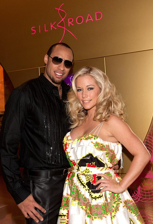 Hank Baskett and Kendra Wilkinson at Silk Road in Vdara