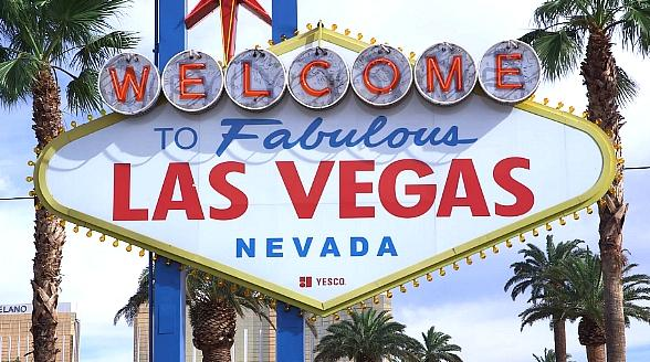 Candlelighters Lights Iconic Welcome to Las Vegas Sign Gold to Honor National Childhood Cancer Awareness Month