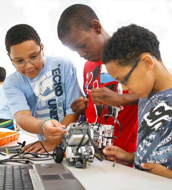 Local Kids Summer Camp offers Drone and Hovercraft Programming, Magic in Science and More at Engineering For Kids