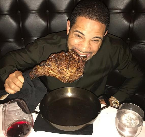MLB Cardinals outfielder Tommy Pham dines on a 32oz Tomahawk at Andiamo Italian Steakhouse Las Vegas