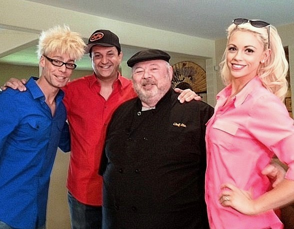 "Murray SawChuck, Douglas ""Lefty"" Leferovich, Chef Stuart Schweit and Chloe Crawford"