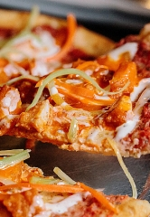 Slice of Vegas Pizza Kitchen & Bar Debuts All-New Menu Featuring Italian-American Favorites and Double Down Pizza Challenge