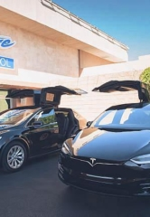Sapphire Las Vegas Now Offers Complimentary Tesla Transport