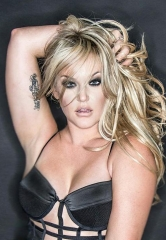 """Legends in Concert"" Collaborates with ""Dancing with the Stars"" Choreographer Lacey Schwimmer"