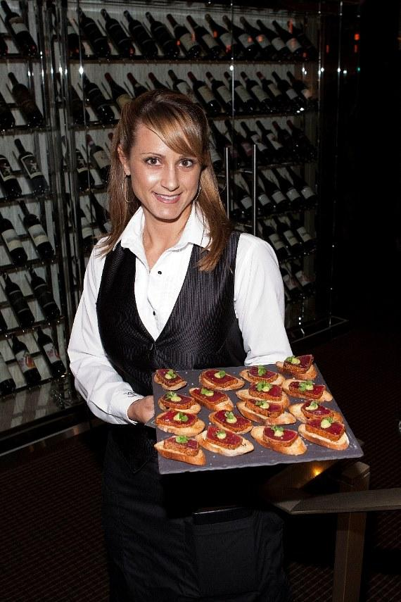 Server at 35 Steaks + Martinis