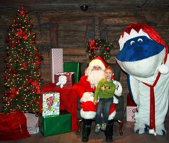 Ho Ho Ho! Meet Santa at Shark Reef Aquarium this Holiday Season