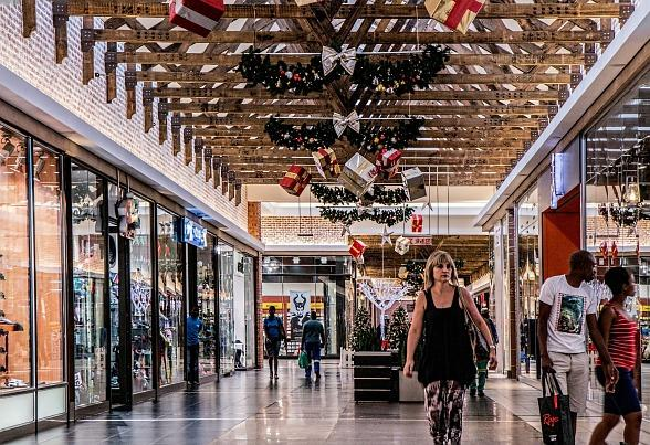 Top Tips on How to Avoid Overspending and Feeling as if You Need Cash Fast this Festive Season