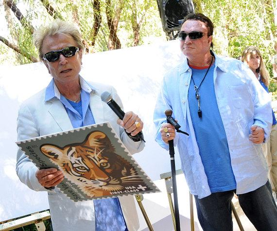Siegfried & Roy announce the new stamp at their Secret Garden at The Mirage