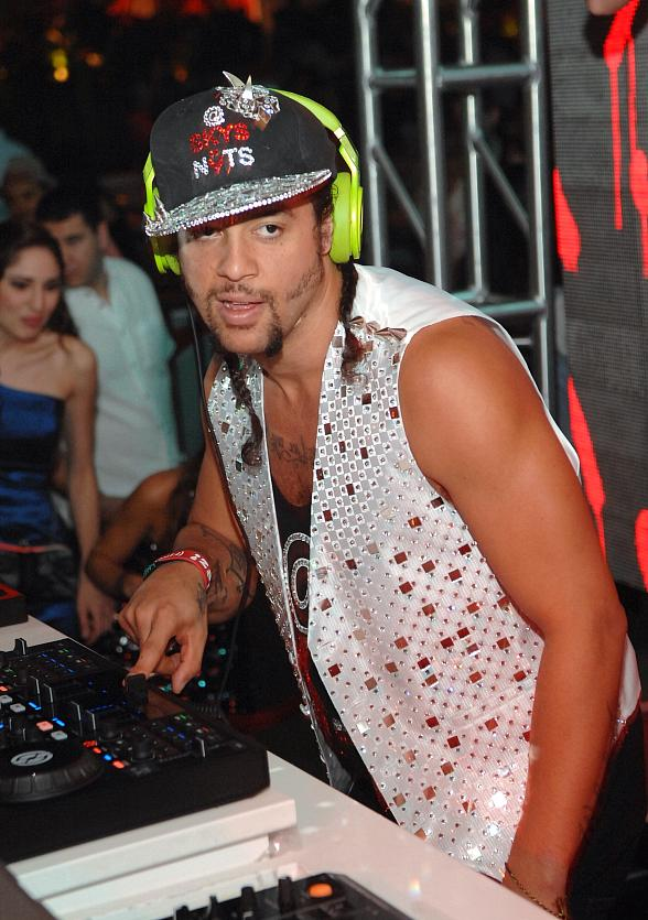 LMFAO Superstar Sky Blu Performs at Surrender Nightclub