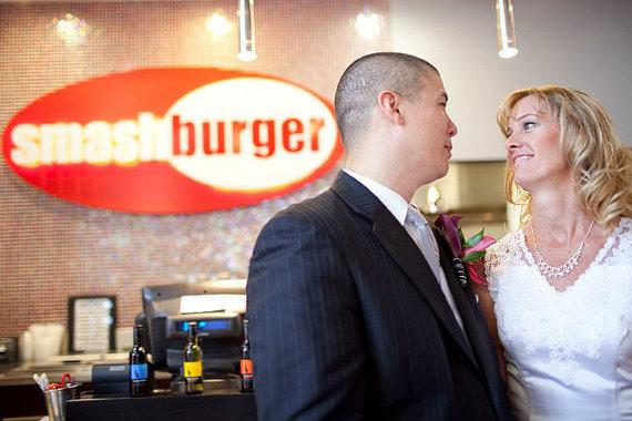 Paula and George Roberts get married in Smashburger at San Antonio, Texas