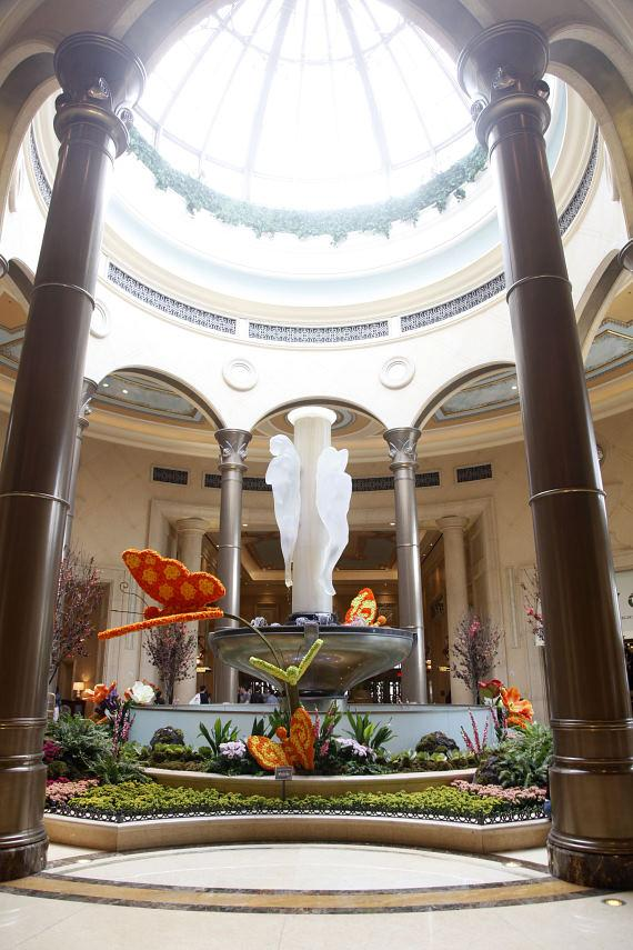 The Palazzo Las Vegas celebrates the arrival of the Spring Season with Vibrant Butterfly Décor
