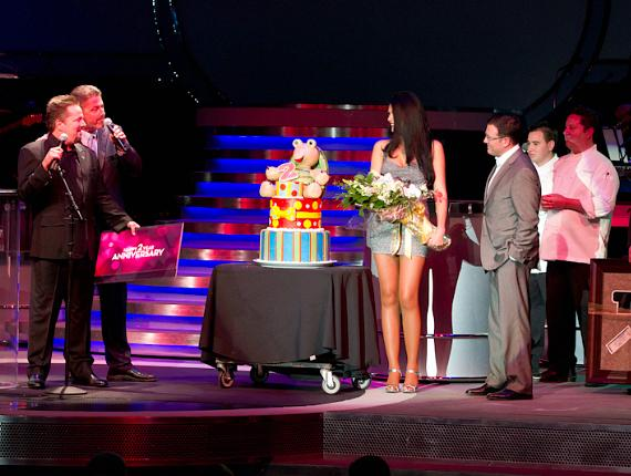 Terry Fator Celebrates Two Year Anniversary at The Mirage