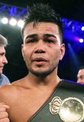 Golden Boy Promotions Partners with Facebook to Bring Live Boxing for Free to the World
