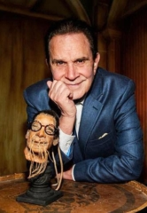 "The ""Man of a Thousand Voices"" Rich Little Unveils His Shrunken Head at The Golden Tiki in Las Vegas"