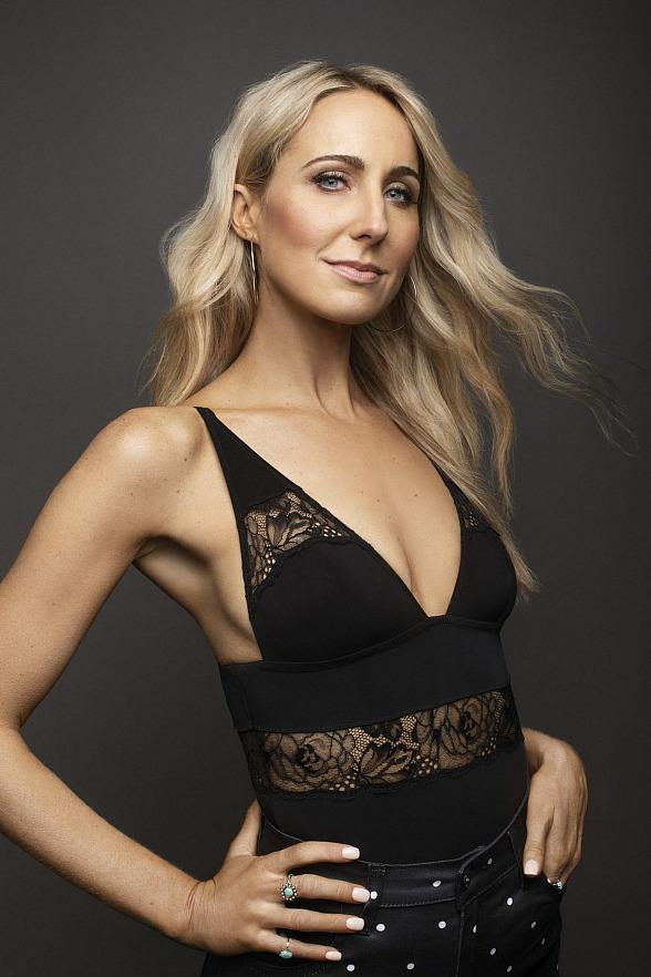 Nikki Glaser Makes Aces of Comedy Debut at The Mirage February 16