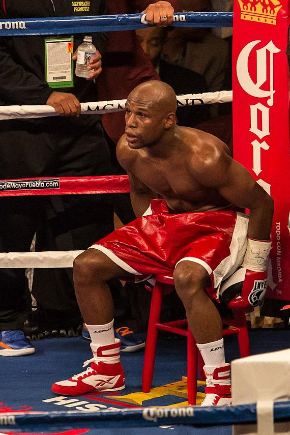 Floyd Mayweather on his stool between rounds