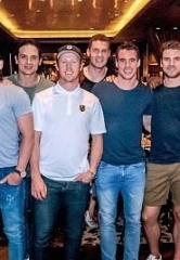 "Vegas Golden Knights Hold ""Stick Salute"" Downtown and Dine at Andiamo Italian Steakhouse"